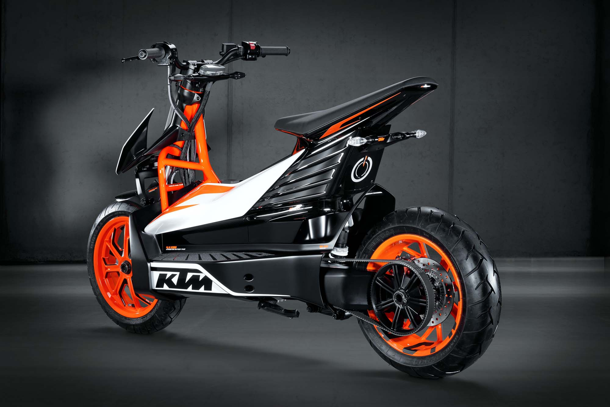 ktm e speed an electric scooter from austria asphalt. Black Bedroom Furniture Sets. Home Design Ideas