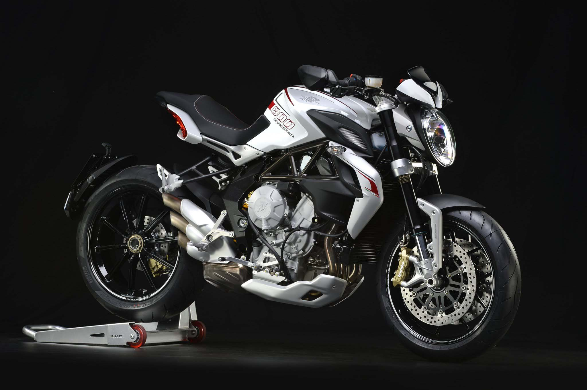 tech specs of the mv agusta brutale 800 dragster asphalt rubber. Black Bedroom Furniture Sets. Home Design Ideas