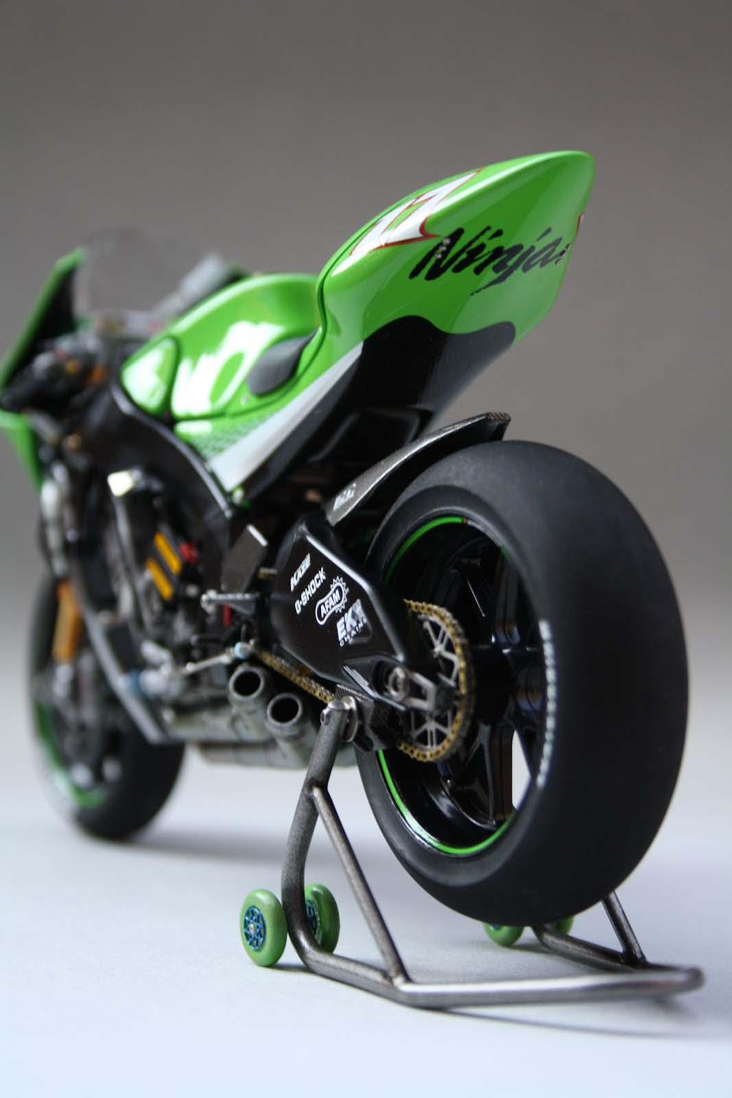 XXX: Randy de Puniet's 2006 Kawasaki Ninja ZX-RR - Asphalt & Rubber
