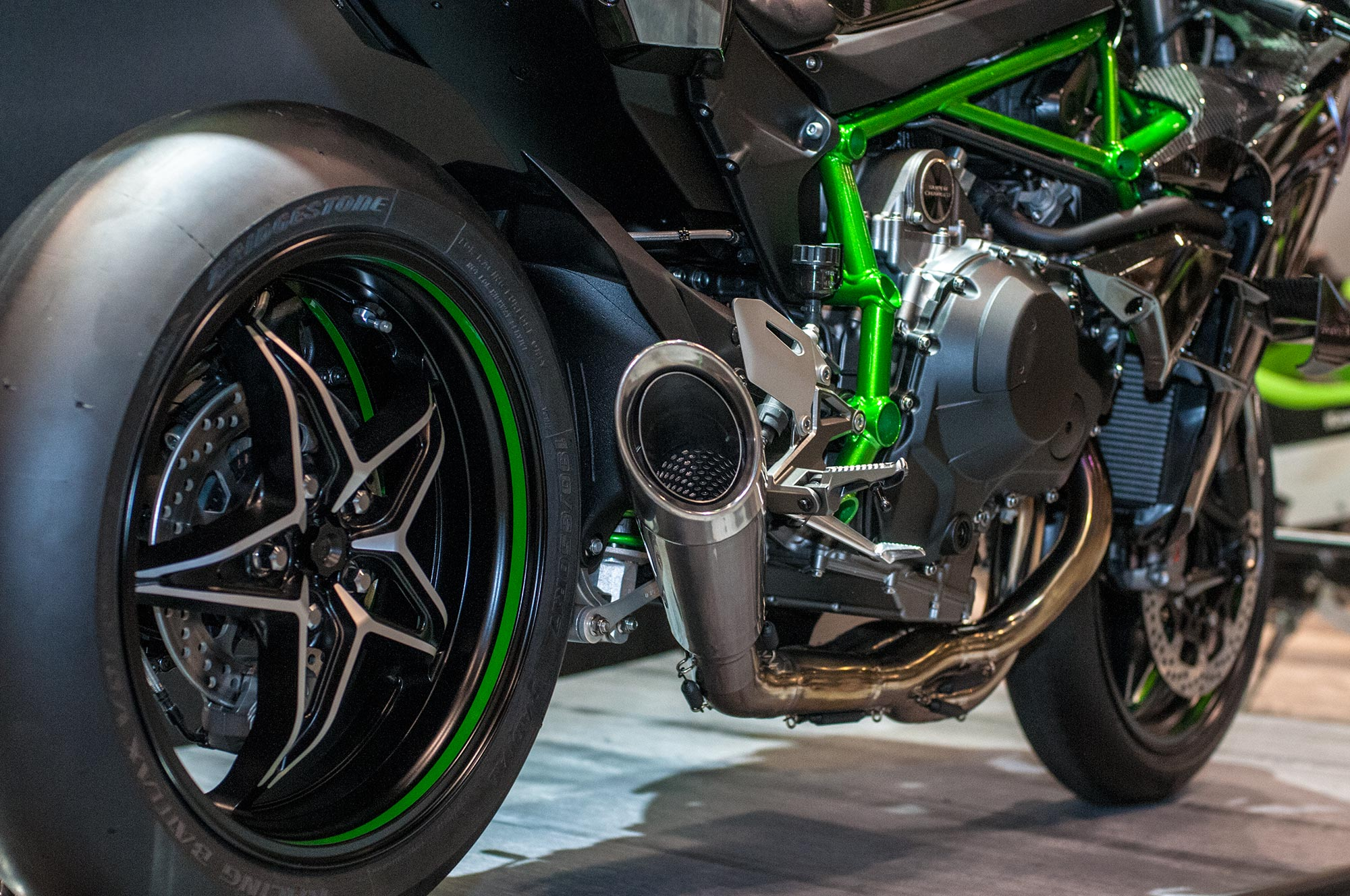 Kawasaki Ninja H2r Streetfighter Concept By Ad Koncept Asphalt