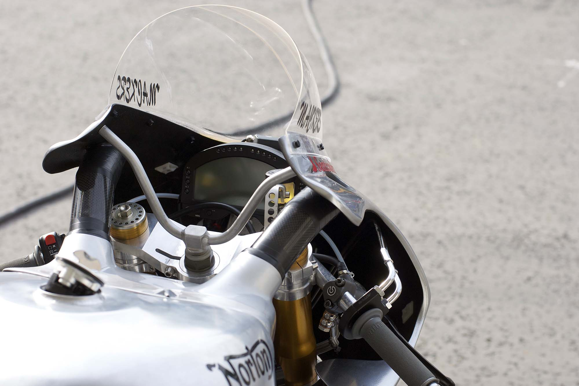 https://www.asphaltandrubber.com/wp-content/gallery/up-close-with-the-norton-sg1/norton-sg1-isle-of-man-tt-21.jpg
