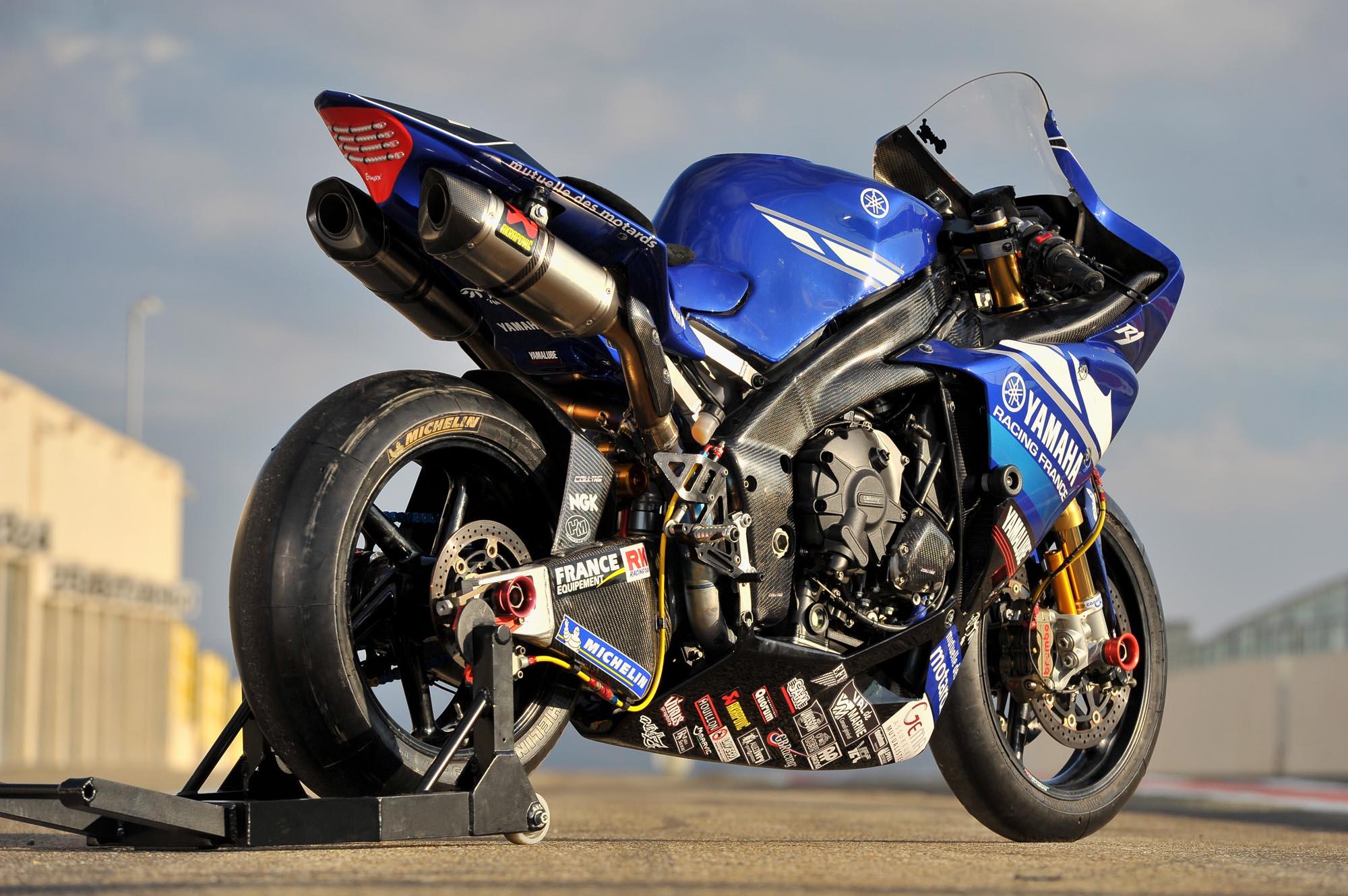 Yamaha france 39 s world endurance yzf r1 asphalt rubber for 01 yamaha r1
