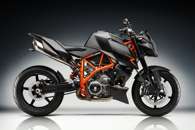 Bajaj Gobbles Up More of KTM ktm super duker 800 tot 0 635x423