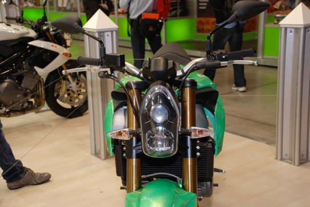 Benelli 2ue 756 Shown Off at EICMA...Again Benelli 2ue EICMA 4 635x425
