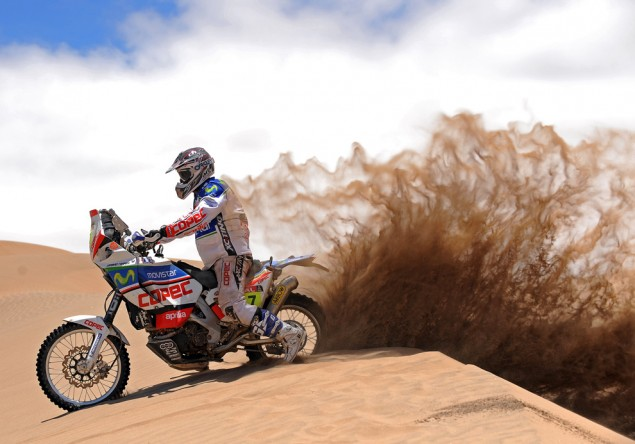 The Best of Dakar from Behind the Lens Gerard Farres Guell Dakar Rally 2010 635x444