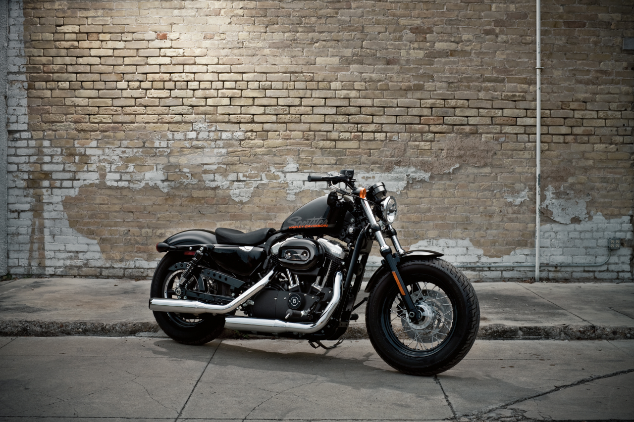 harley davidson forty eight the gen x sportster asphalt rubber. Black Bedroom Furniture Sets. Home Design Ideas