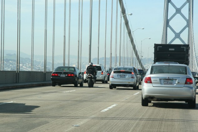 California Highway Patrol Posts Guidelines for Lane Splitting Bay Bridge Lane split motorcycle 635x423
