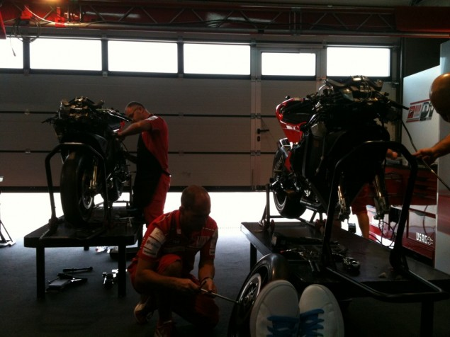 Management. Nicky Hayden Ducati team management 635x476