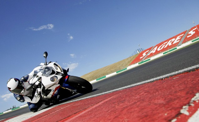 BMW to Sell Motorcycles in India 2010 BMW S1000RR 635x392