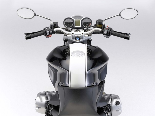 The 2011 BMW R1200R Gets the DOHC Treatment 2011 BMW R1200R Classic 29 635x476