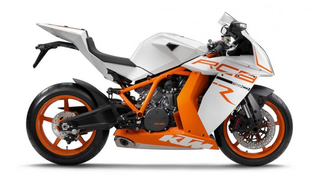 2011 KTM 1190 RC8 R Leaks Ahead of EICMA 2011 KTM RC8 R leaked 3 635x368