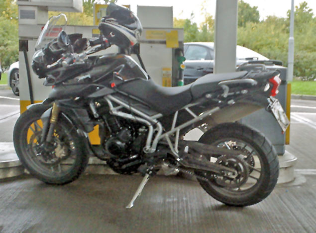 Spy Shot: 2011 Triumph Tiger 800 2011 Triumph Tiger 800 spy shot