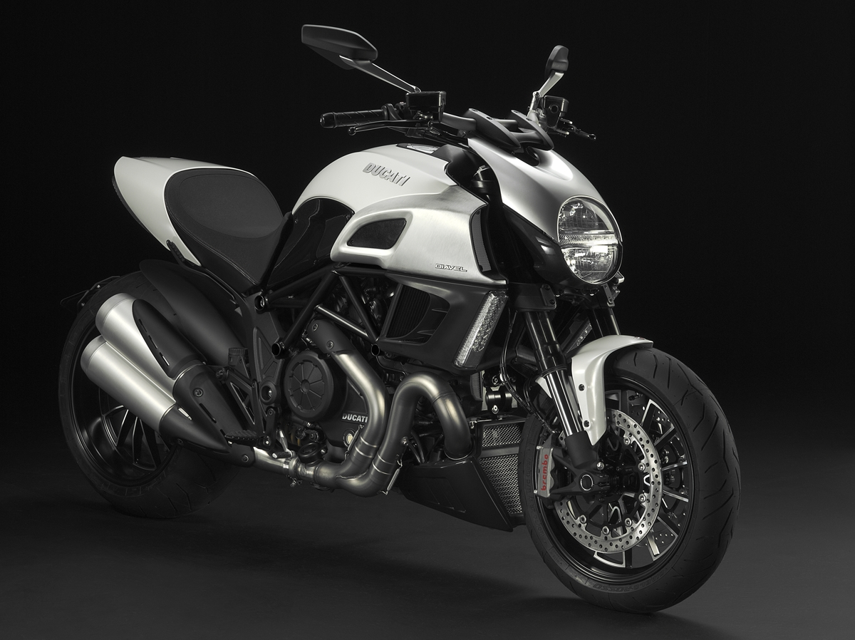 2011 Ducati Diavel Breaks Cover At Eicma Asphalt Amp Rubber