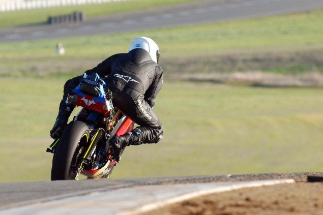 Spy Shots: Brammo Empulse RR Testing at Thunderhill Brammo Empulse Thunderhill Jan 2011 test 10 635x423