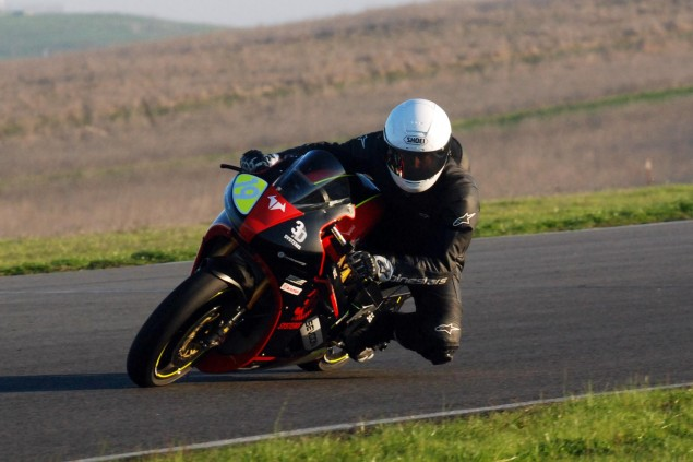 Spy Shots: Brammo Empulse RR Testing at Thunderhill Brammo Empulse Thunderhill Jan 2011 test 21 635x423
