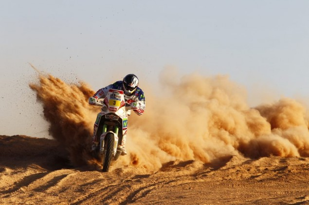 Francisco Lopez Caught Stealing Gas During Dakar Rally Francisco Chaleco Lopez Aprilia Dakar Racing 635x423