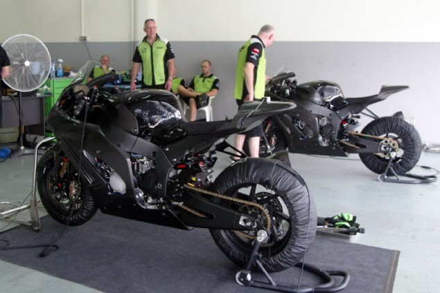 Chris Vermeulen Leaves Testing In Sepang Early   Will Also Miss Portimao Test Kawasaki WSBK Sepang Garage 635x424