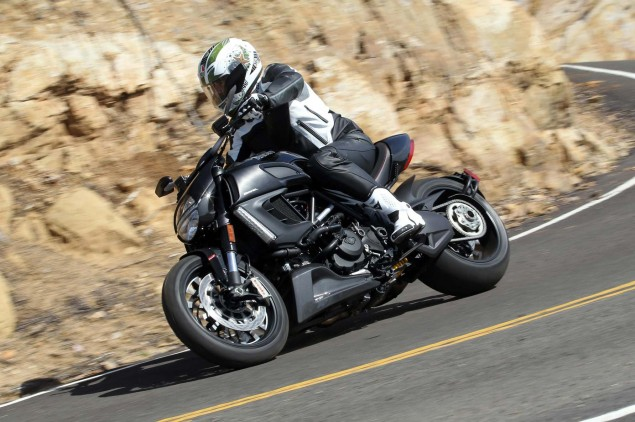 Ride Review: 2011 Ducati Diavel Ducati Diavel Asphalt and Rubber 635x422
