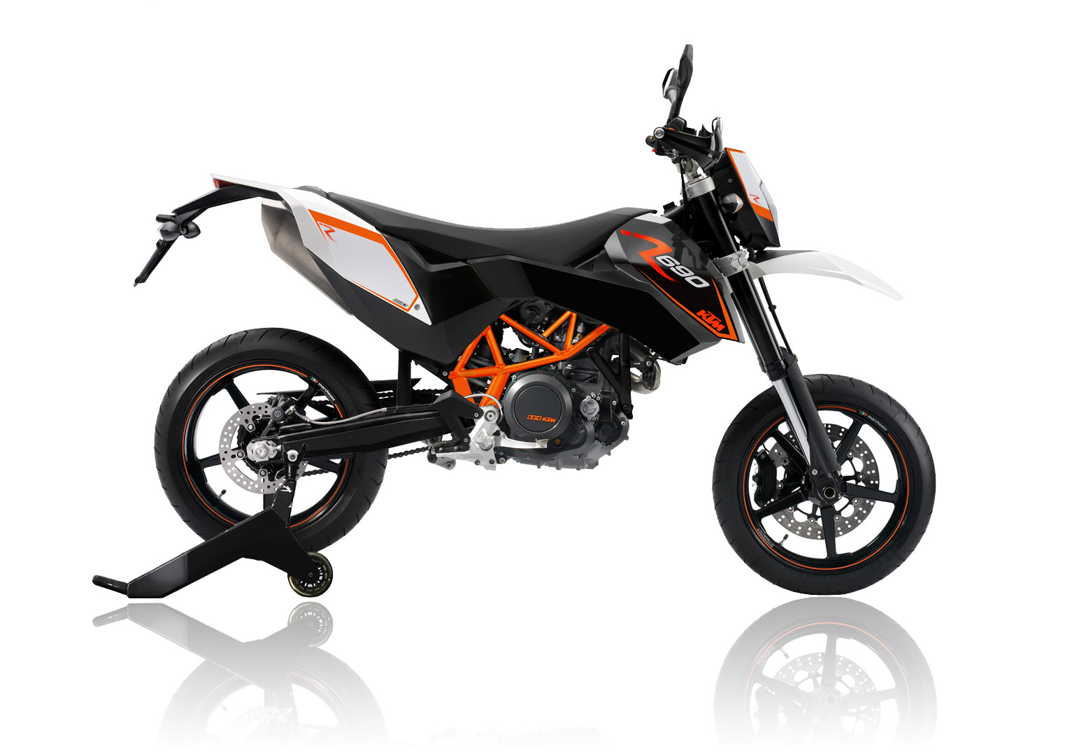 ktm 690 smc r by isaac chavira asphalt rubber. Black Bedroom Furniture Sets. Home Design Ideas