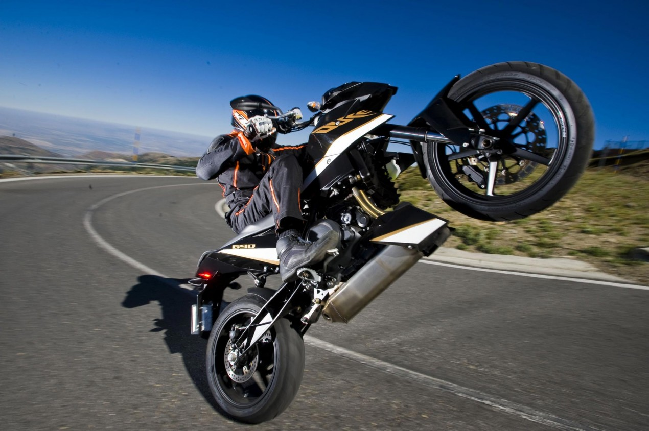 US Motorcycle Sales up 7% in Q1 2011 ktm 690 duke wheelie 635x422