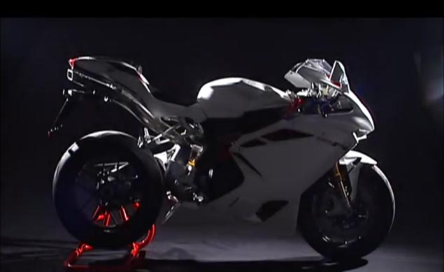 Video: 2012 MV Agusta F4 RR Corsacorta   198hp Superbike 2012 MV Agusta F4 RR Corsacorta
