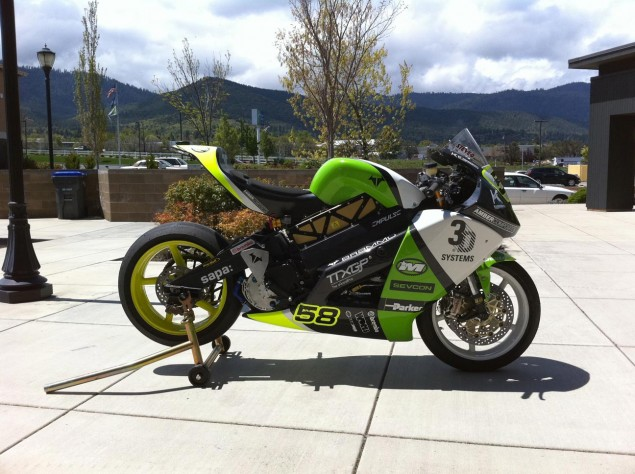 First Look: Brammo Empulse RR Race Bike for TTXGP Brammo Empulse RR race livery 635x474