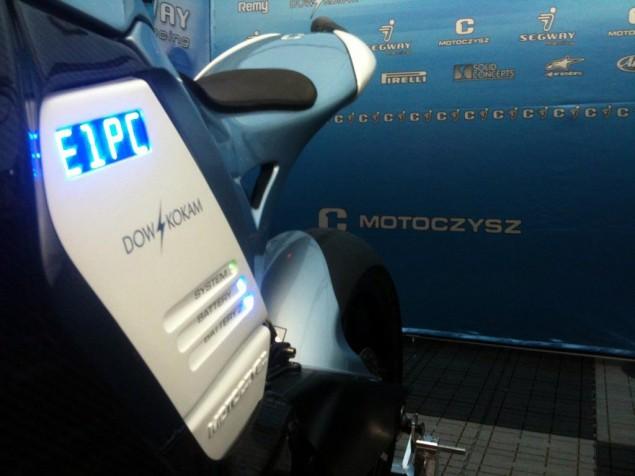 La sportive verte du futur - Page 6 2011-MotoCzysz-E1pc-sneak-peak-635x476