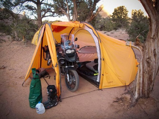 A Tent for Adventure Motorcycles Redverz adventure tent 2 635x476