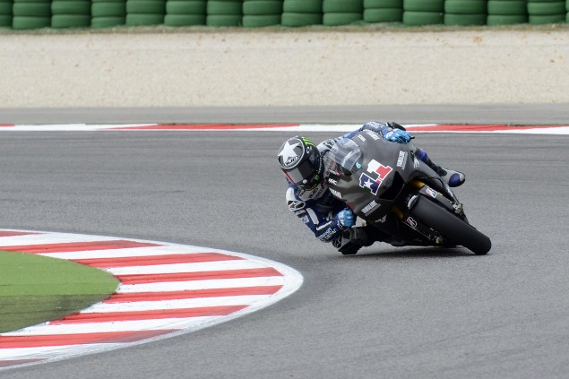 MotoGP: Yamaha Tests the 1,000cc M1 at Misano w/ Video 2012 Yamaha YZR M1 Misano test 4 635x423
