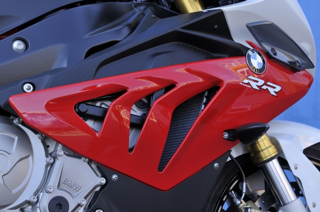 2012 BMW S1000RR   Tweaks Come to the Liter Bike King 2012 BMW S1000RR 127 635x421