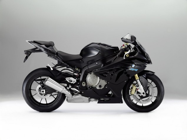 2012 BMW S1000RR   Tweaks Come to the Liter Bike King 2012 BMW S1000RR 25 635x475
