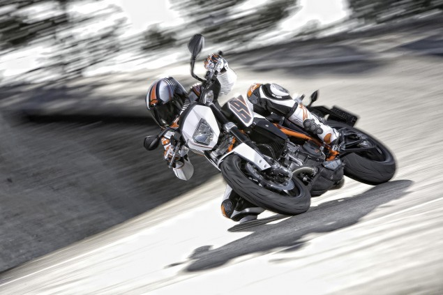 2012 KTM 690 Duke   Cheaper, More Powerful, & ABS 2012 KTM 690 Duke 081 635x423