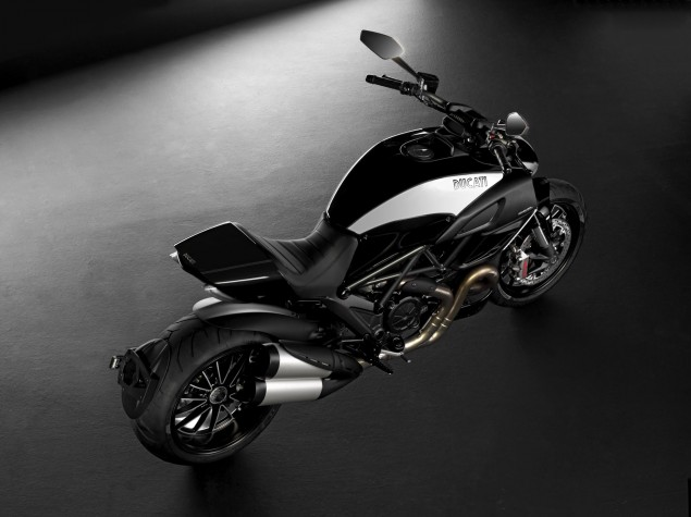 Ducati Diavel Cromo Adds Bling to the Devil Ducati Diavel Cromo 2 635x475
