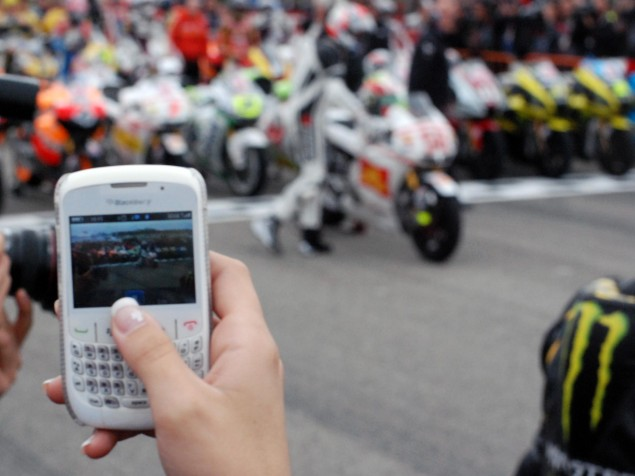 Photos: Marco Simoncelli Tribute Ride at Valencia Marco Simoncelli MotoGP tribute Valencia 26 635x476