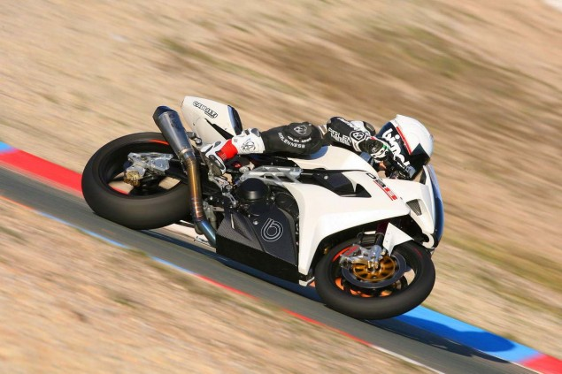Bimota to Wild Card in a World Superbike Race? Bimota HB4 DB8 Ruben Xaus test 01 635x423