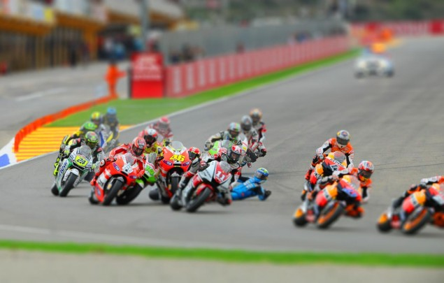<em>Fastest</em> in San Francisco is a Sellout MotoGP crash Valencia tilt 635x405