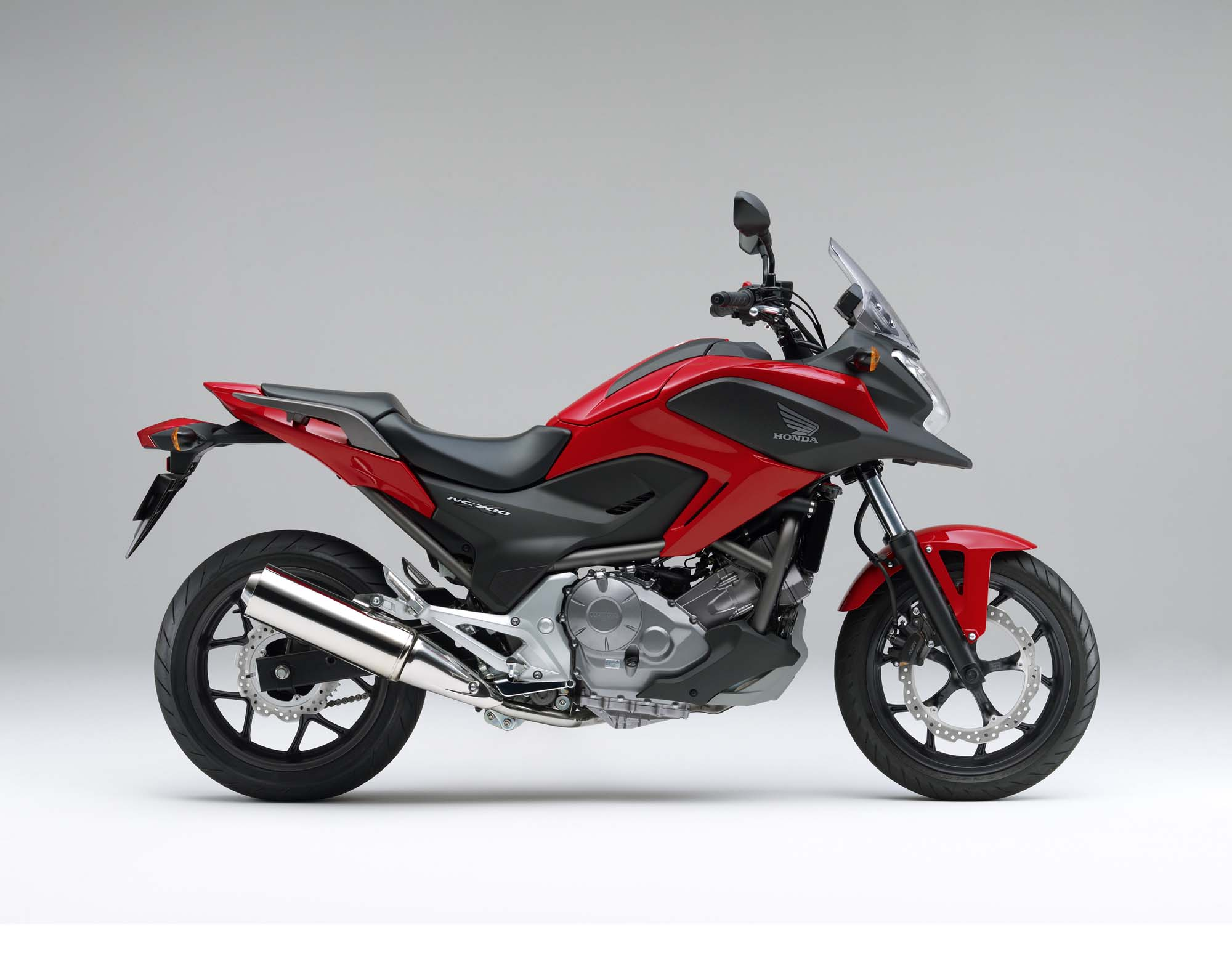 the 2012 honda nc700x is coming to america. Black Bedroom Furniture Sets. Home Design Ideas