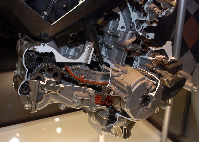 Cutaway Photos of the Ducati Superquadro Engine Ducati 1199 Panigale Superquadro motor cutaway 03 635x454