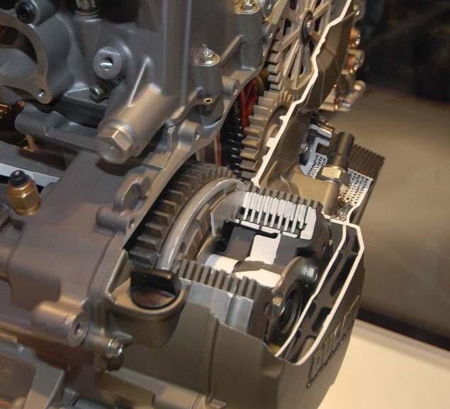 Cutaway Photos of the Ducati Superquadro Engine Ducati 1199 Panigale Superquadro motor cutaway 09 635x577