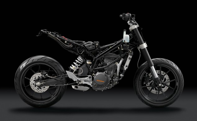 Confirmed: KTM 350 Duke in 2013   Moto3 Inspired 350cc Sport Bike in 2014 KTM 125 Duke stripped naked 635x390