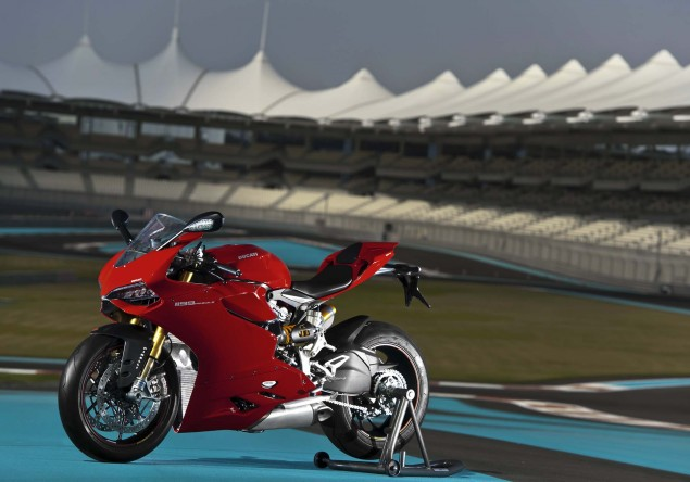 ultimate speed freaks(the Big boys) hayabussa/zx-14r,CBR,Gixxer,R1,R6,Ducatti, - 2012 Ducati 1199 Panigale S Yas Marina Circuit 04 635x444