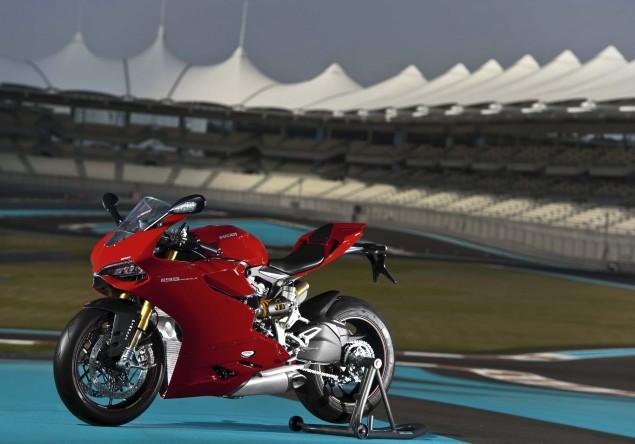 ultimate speed freaks(the Big boys) hayabussa/zx-14r,CBR,Gixxer,R1,R6,Ducatti, - 2012 Ducati 1199 Panigale S Yas Marina Circuit 04 635x444