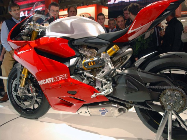 Not Homologated: Ducati 1199 Panigale & MV Agusta F3 Ducati 1199 Panigale Supersport trim 04 635x476
