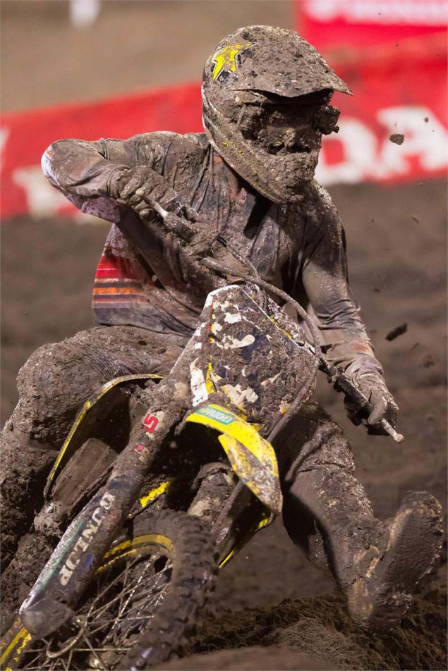 Photos: The Mud of SX at Daytona AMA Supercross SX Daytona mud Suzuki Metcalfe 04 635x952
