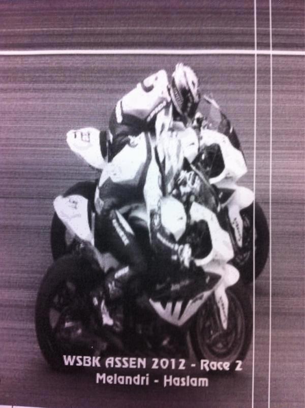 [WSBK] ASSEN 20,21,22 avril 2012 - Page 2 Marco-Melandri-Leon-Haslam-Assen-Race-2-photo-finish-WSBK