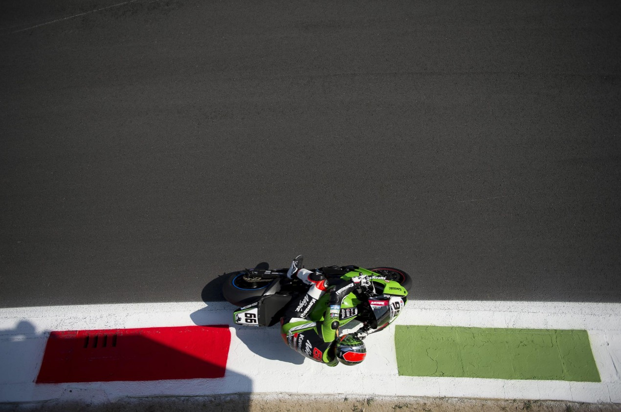 Video: What Does 210 MPH at Monza Look Like? Tom Sykes Monza WSBK 635x422