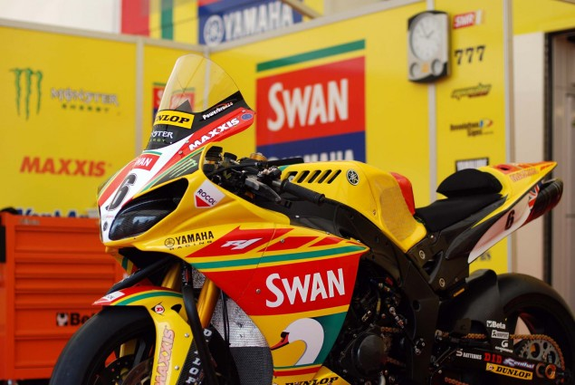 Up Close with Ian Hutchinsons Swan Yamaha R1 Superbike Ian Hutchinson Swan Yamaha R1 IOMTT 11 635x425