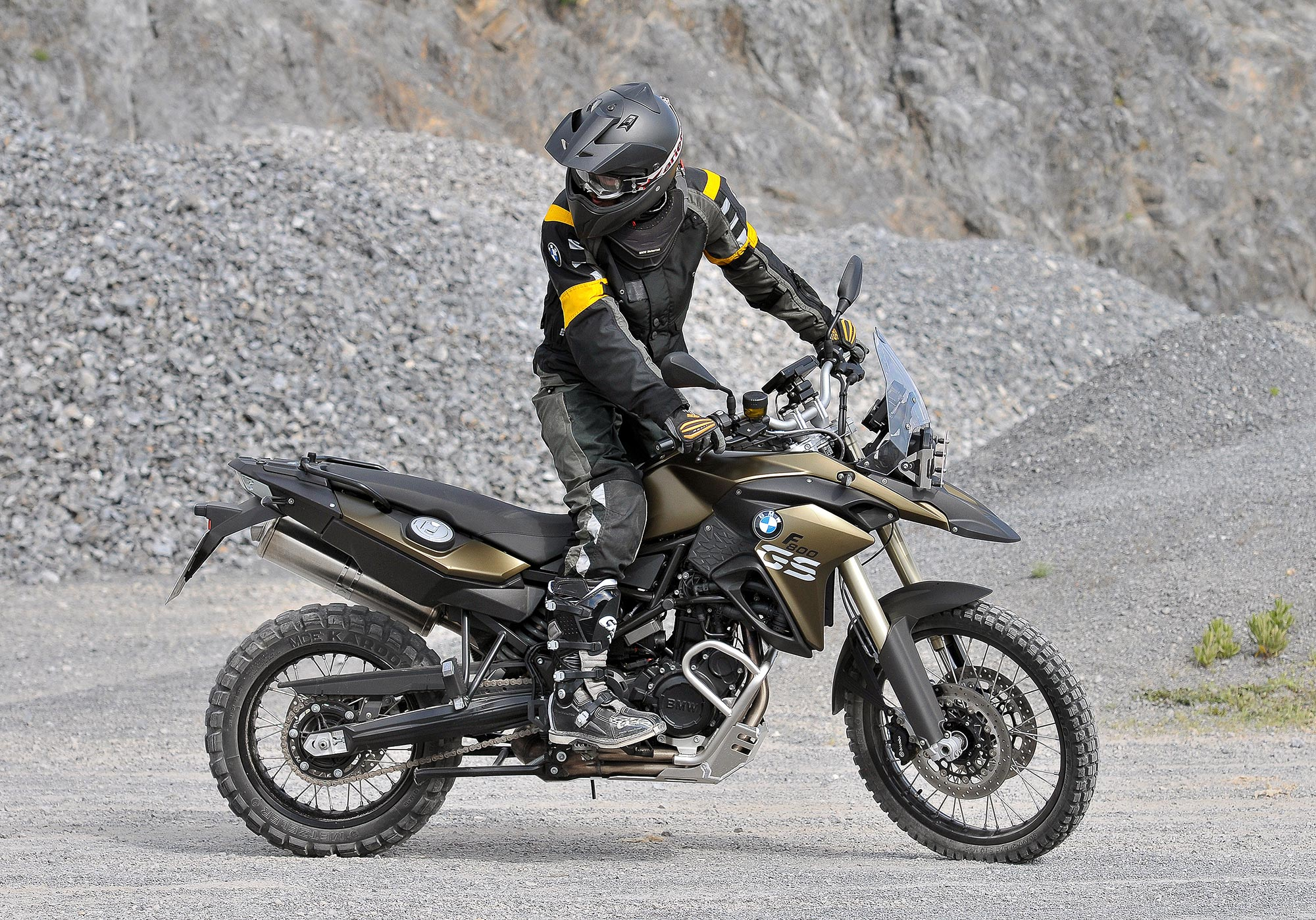road bound 2013 bmw f700gs the 2013 bmw f800gs sees a modest update to