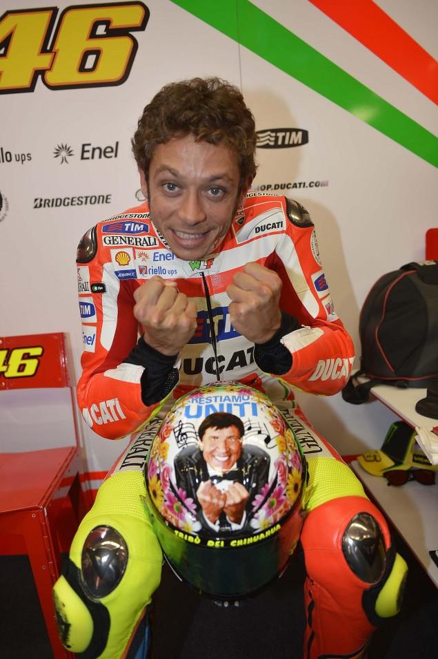[GP] Mugello, 15 juillet 2012 - Page 3 Valentino-Rossi-Mugello-Helmet-2012-11-635x954
