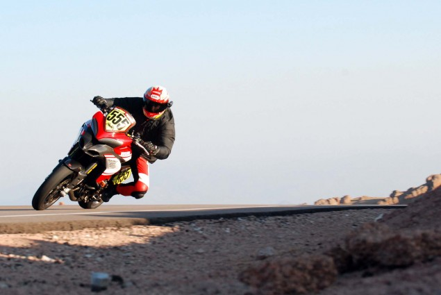 Video: Greg Tracys Sub 10 Minute Run up Pikes Peak 2012 Pikes Peak International Hill Climb 121 635x425
